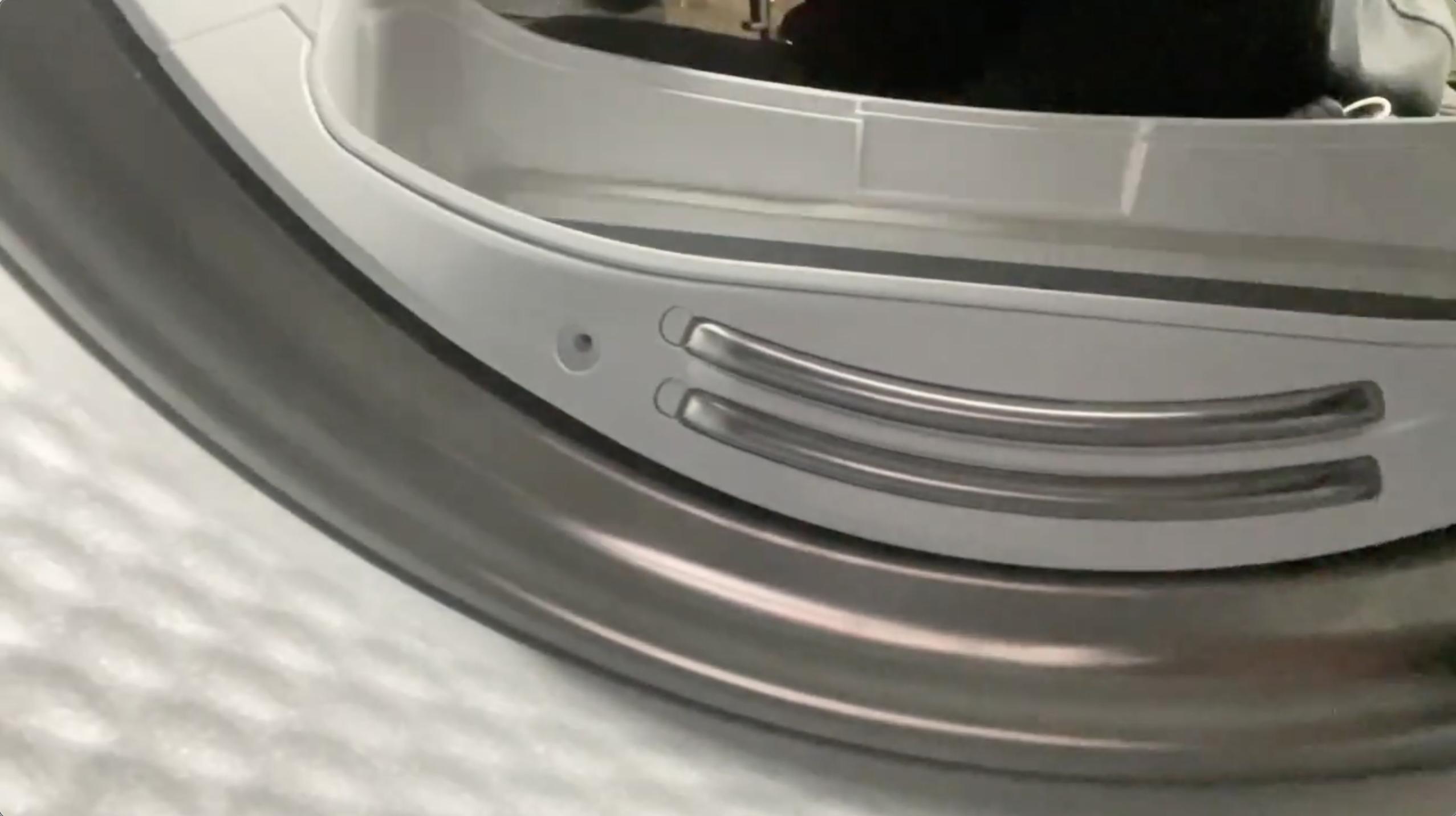 Restfeuchtesensoren bei einem Wärmepumpentrockner von Bosch reinigen